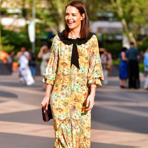 Clothing, Street fashion, Fashion, Yellow, Shoulder, Dress, Snapshot, Kimono, Fashion model, Costume,
