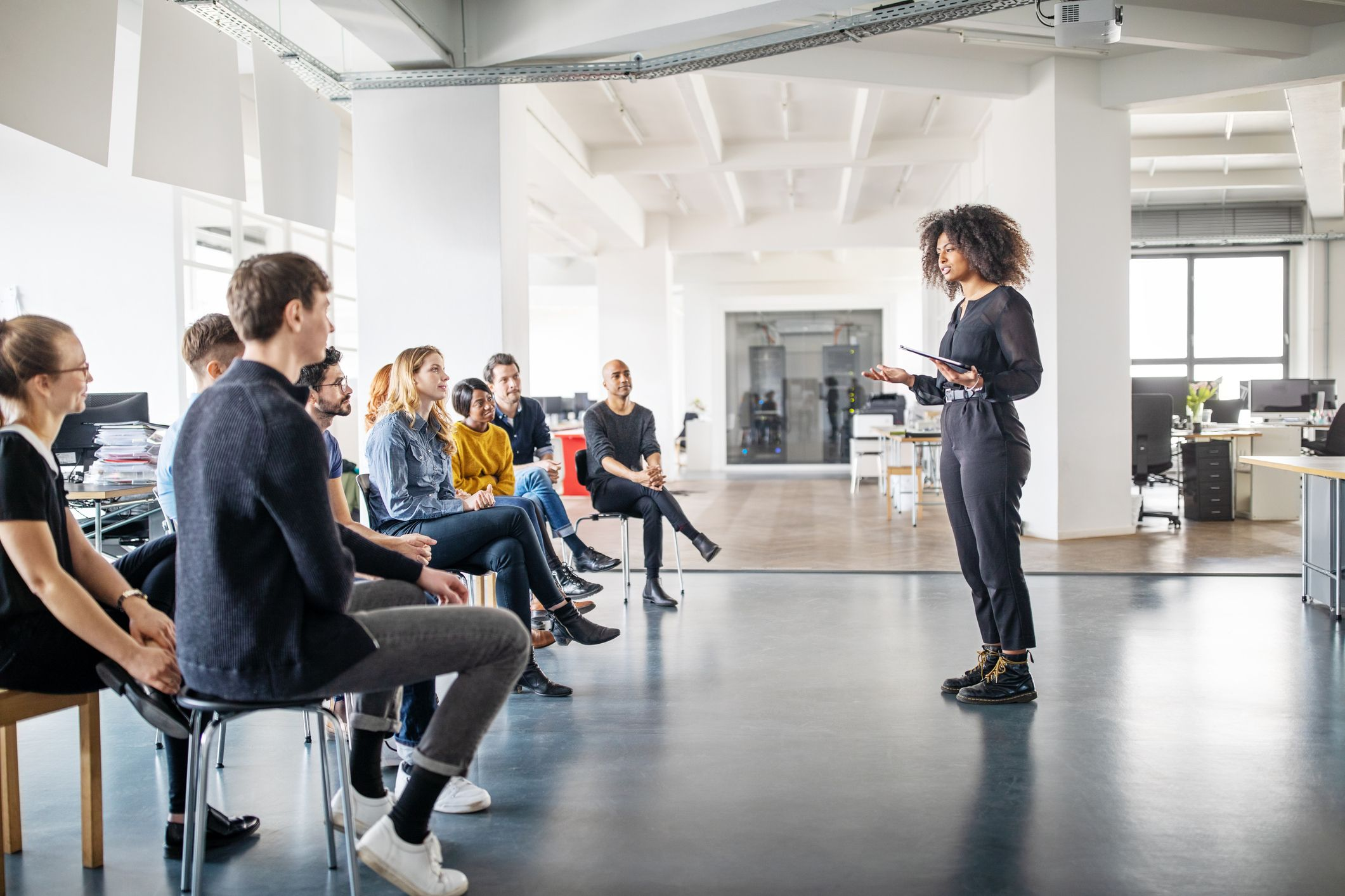 Lead a Big Meeting With Confidence Using These Techniques