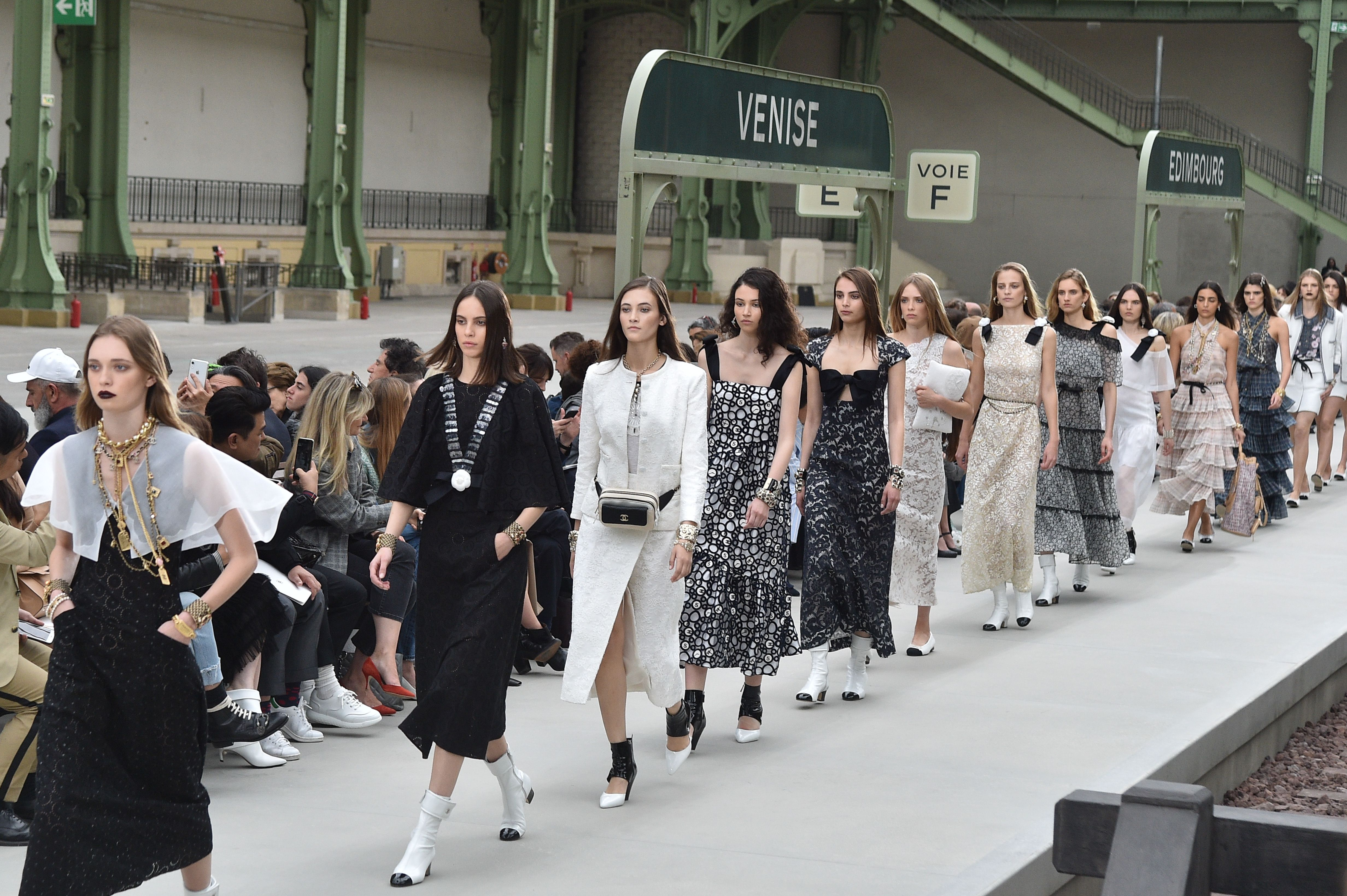 Chanel Will Show Its Cruise 2021 Show In Capri