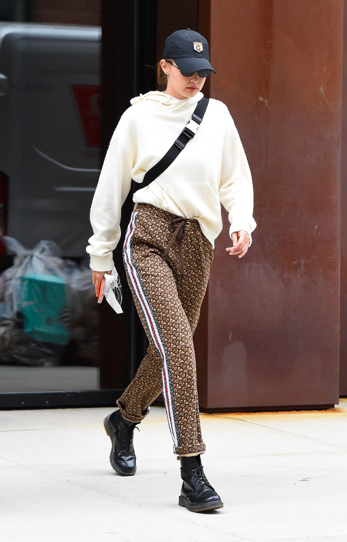 Gigi Hadid Can\u0027t Stop Wearing Doc Martens \u2013 Gigi Hadid Dr