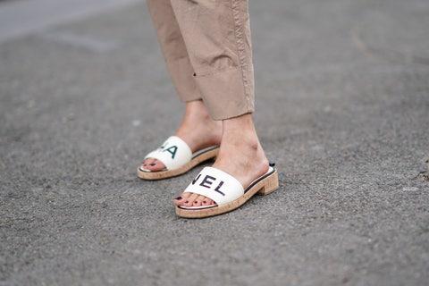 Footwear, White, Street fashion, Shoe, Pink, Leg, Ankle, Fashion, Human leg, Jeans,