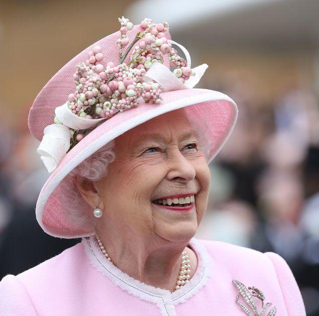 90代に突入しても、凛とした佇まいで公務を続ける英王室のエリザベス女王。2020年4月21日は、そんな女王の記念すべき94歳の誕生日。1952年に即位してから68年間、君主として生きてきた女性だからこそ語れる、深く力強い言葉の数々を振り返ってみました。