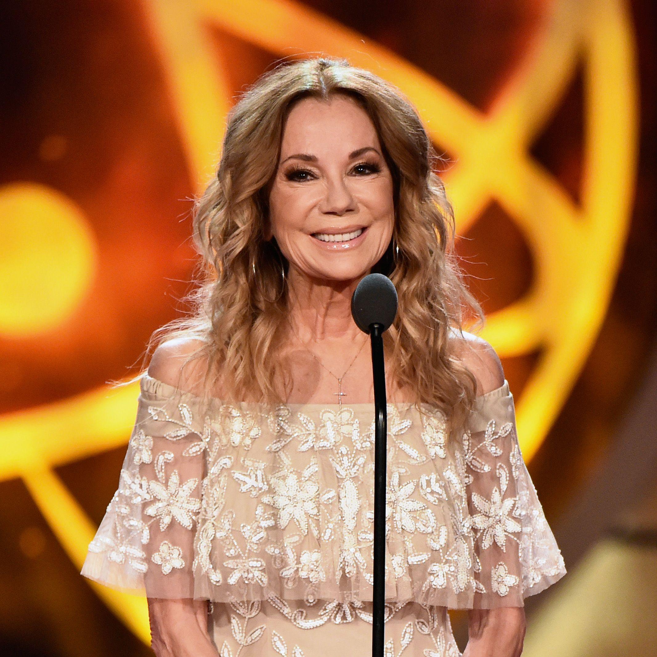 Kathie Lee Gifford and Hoda Kotb Just Won an Informative Talk Show Host Emmy