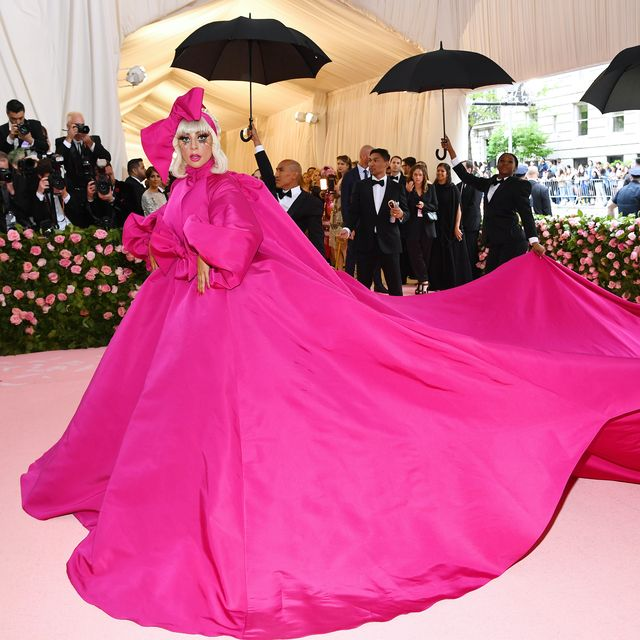 Pink, Dress, Clothing, Gown, Magenta, Red carpet, Carpet, Fashion, Flooring, Shoulder,