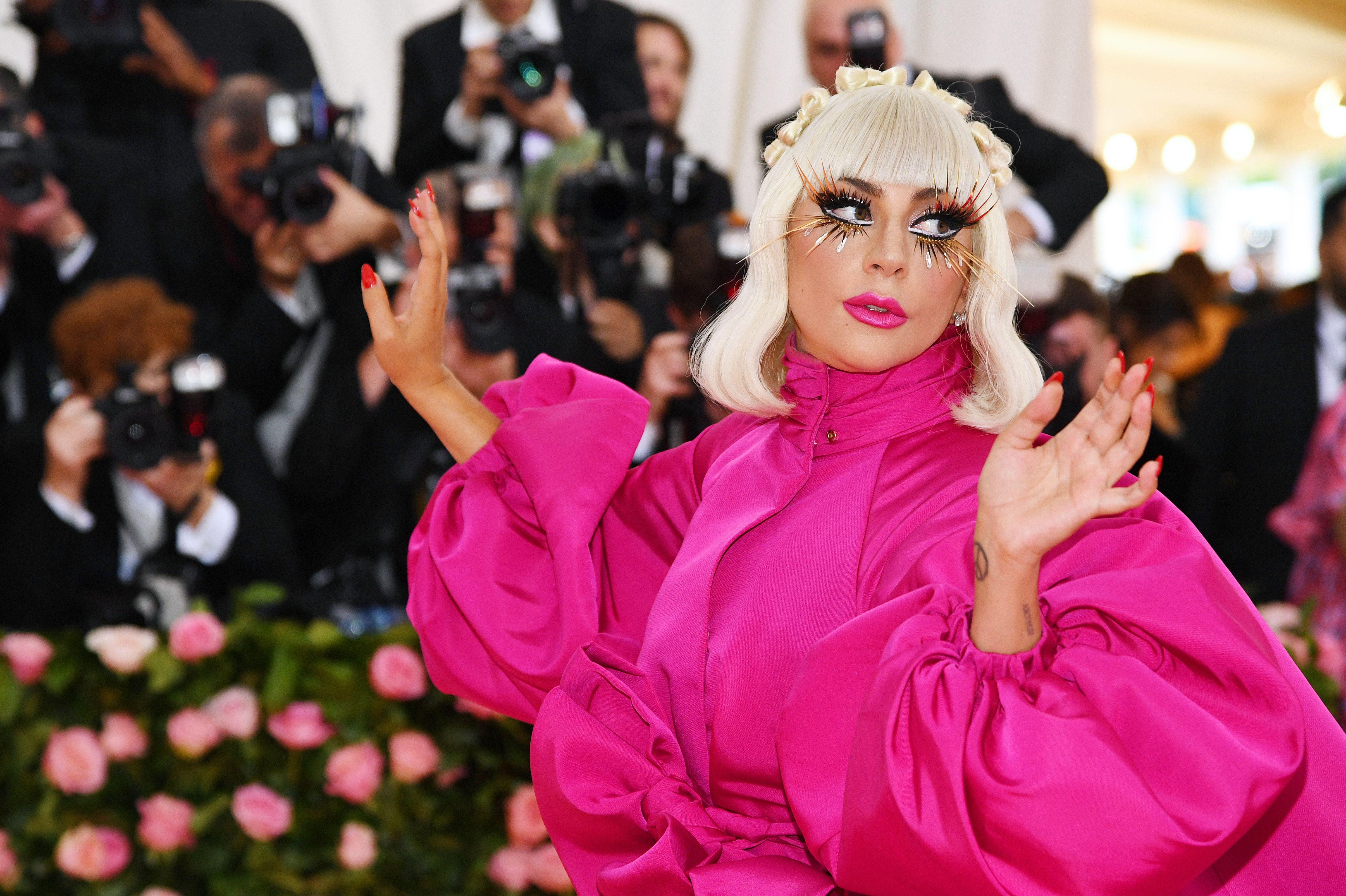 che è Lady Gaga incontri datazione timido ragazzo baci