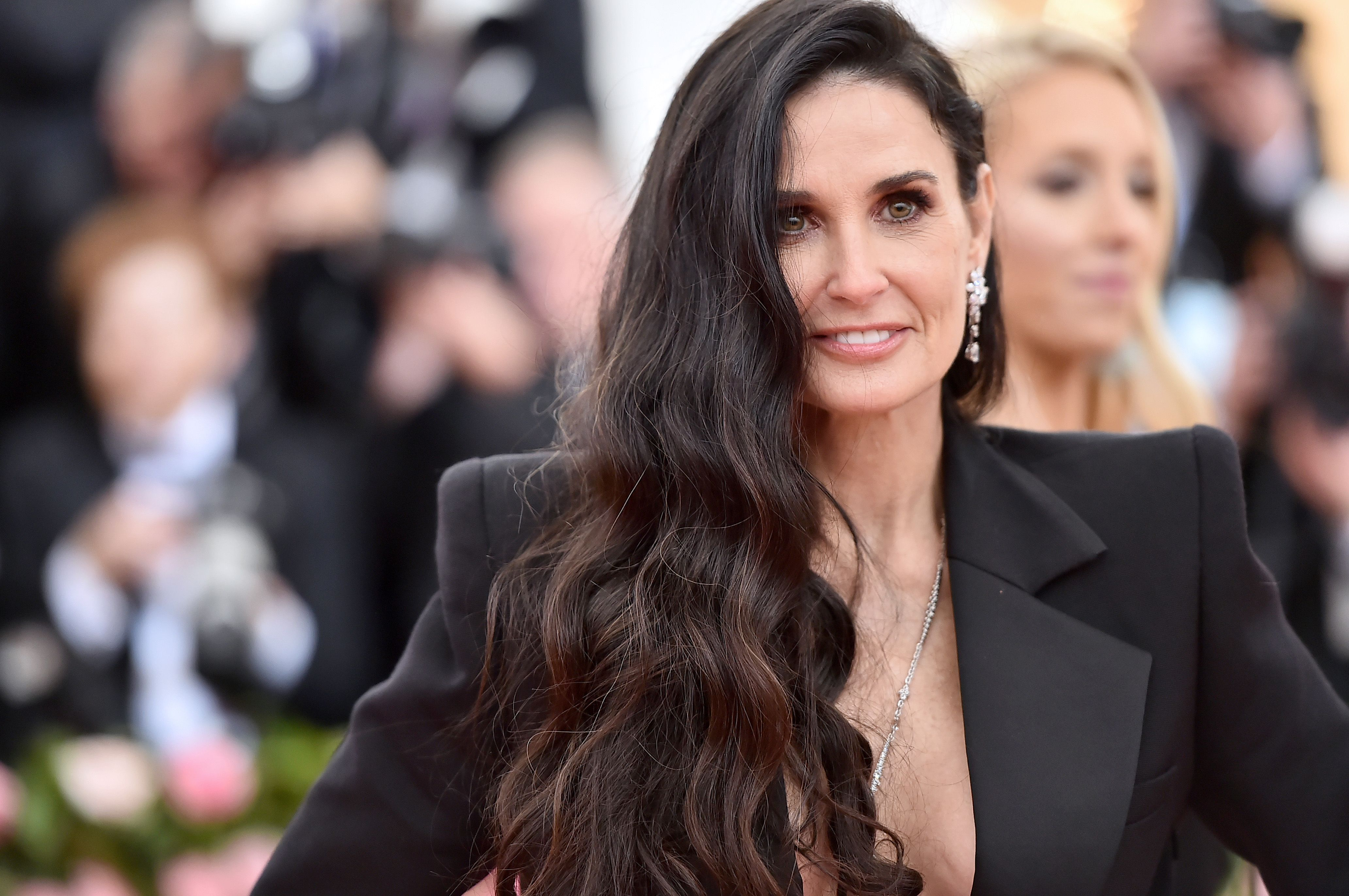 Why Demi Moore's Bathroom Is Causing Social Media To Have A Meltdown Today