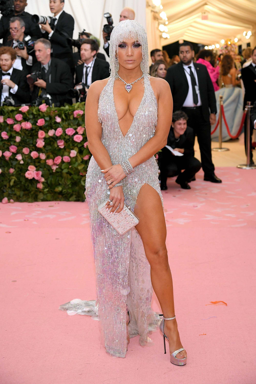 Jennifer Lopez In Versace, Harry Winston jewels