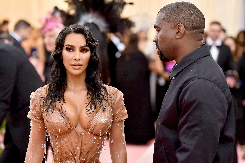 Kanye West le dice a Kim Kardashian que no le gusta que vista 'demasiado sexy' y esto es lo que ella le contesta