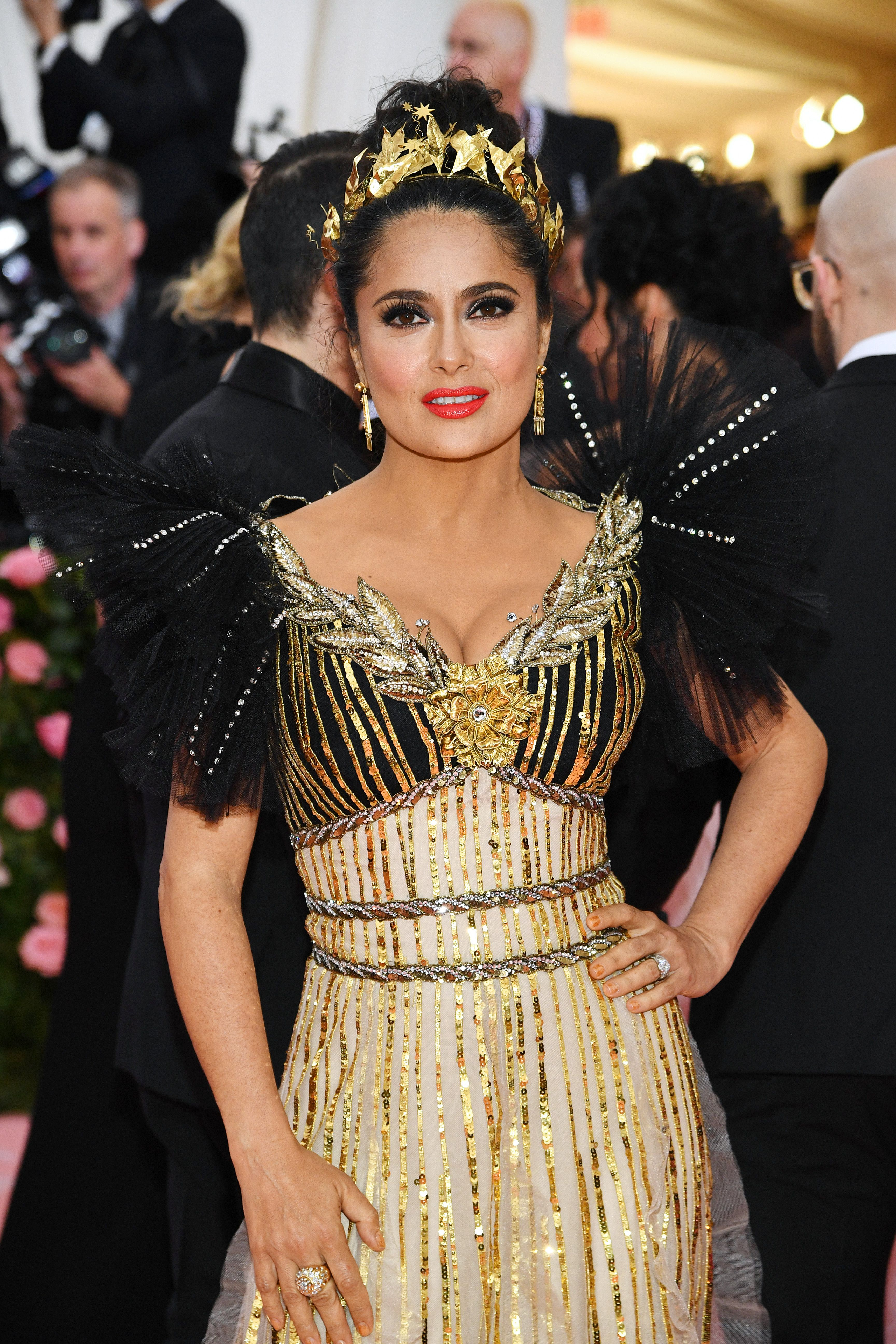 """Salma Hayek Salma Hayek is doing this dramatic eye so damn right. """"For this event with Hayek we chose to create an ultra-dramatic lash look to compliment the amazing dramatic Gucci dress and headpiece,"""" Makeup artist Matthew VanLeeuwen explained."""