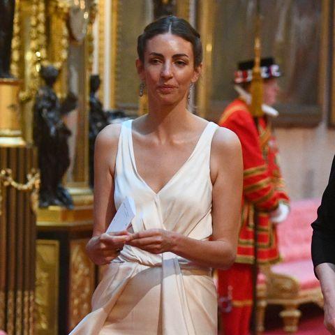 Red carpet, Carpet, Flooring, Fashion, Event, Dress, Temple, Ceremony, Formal wear,