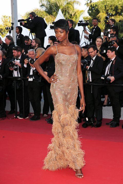 Red carpet, Carpet, Dress, Flooring, Premiere, Gown, Fashion, Event, Shoulder, Haute couture,