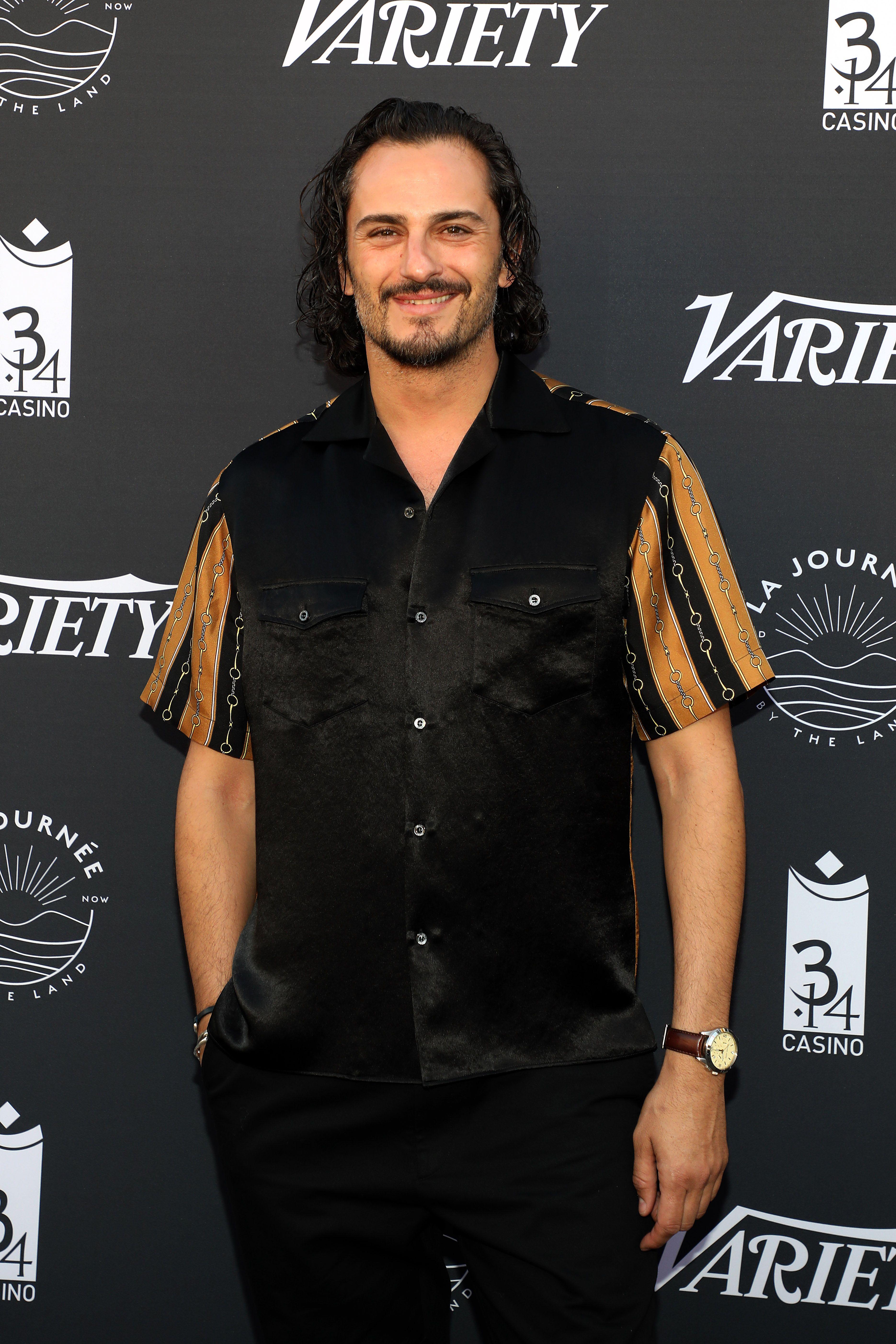 Asier Etxeandia en el Festival del Cannes: todo al negro (de inspiración Kit Harington)