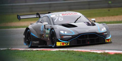 Land vehicle, Vehicle, Car, Sports car, Sports car racing, Endurance racing (motorsport), Supercar, Performance car, Race track, Racing,