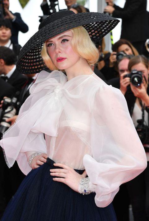Elle Fanning 穿着Dior 高级订制系列现身2019坎城红毯