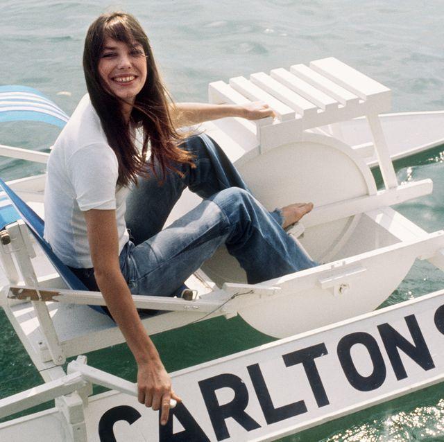 Water transportation, Vehicle, Vacation, Boating, Boat, Leisure, Fun, Recreation, Speedboat, Watercraft,