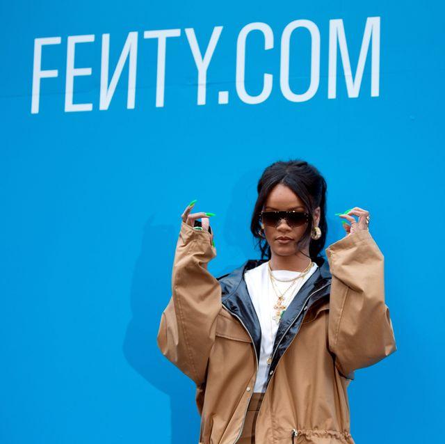 Blue, Eyewear, Fun, Finger, Font, Gesture, Electric blue, Advertising, Glasses, Sign language,