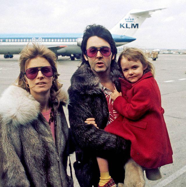 Paul, Linda And Stella Mccartney In United Kingdom In April, 1998.
