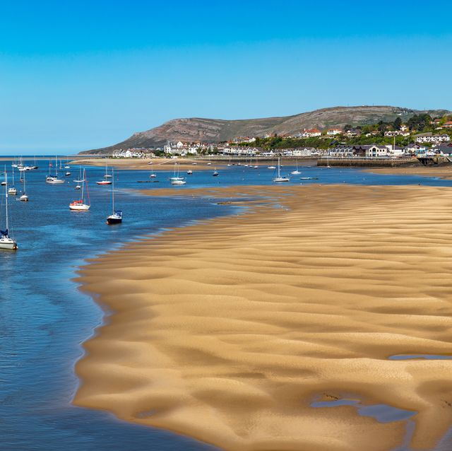conwy wales the estuary of the river conwy at low tide may 12, 2019