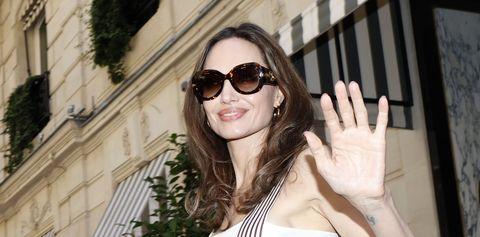 Eyewear, Sunglasses, White, Street fashion, Glasses, Beauty, Fashion, Cool, Shoulder, Vision care,