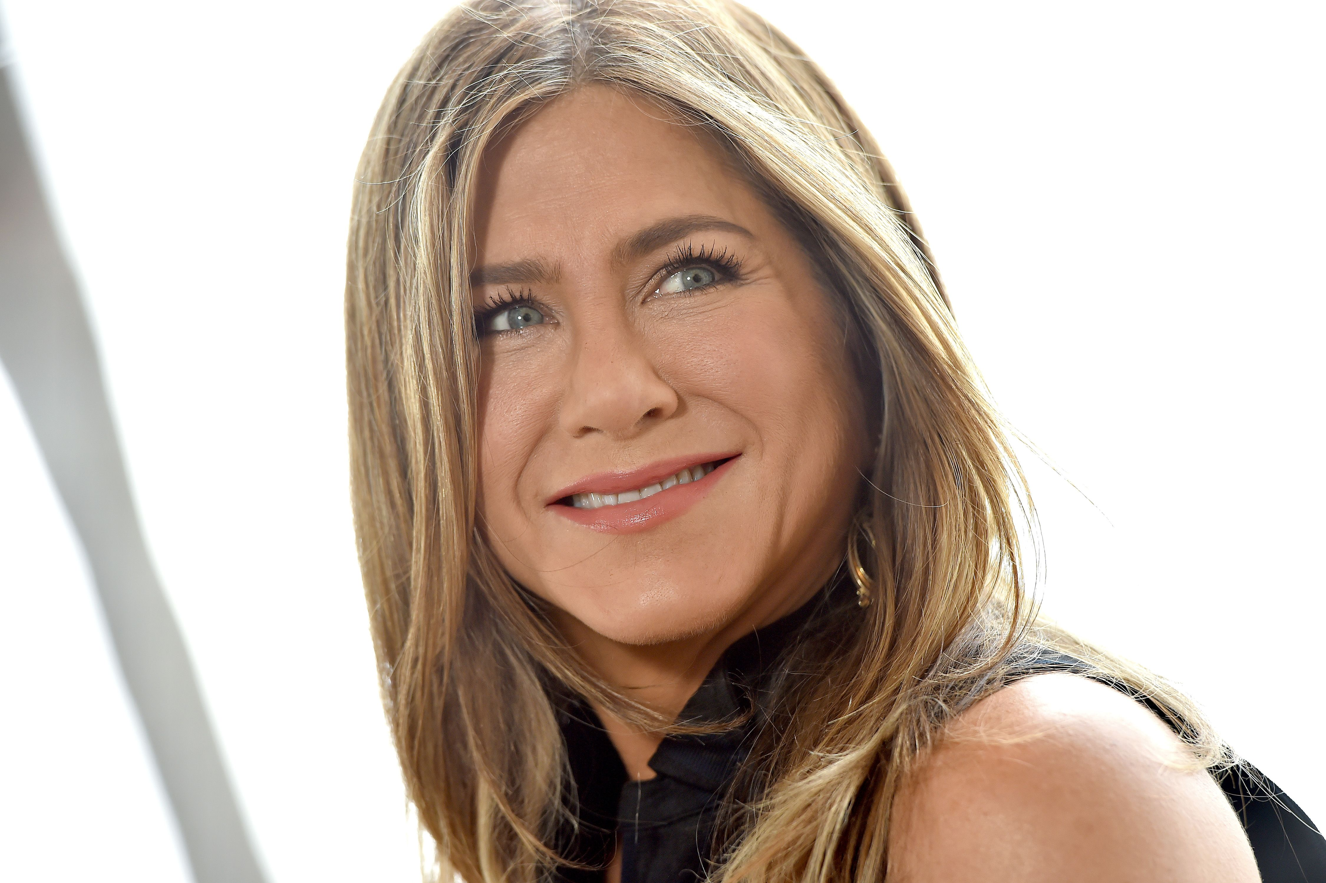 Jennifer Aniston Has Officially Joined Her Friends on Instagram