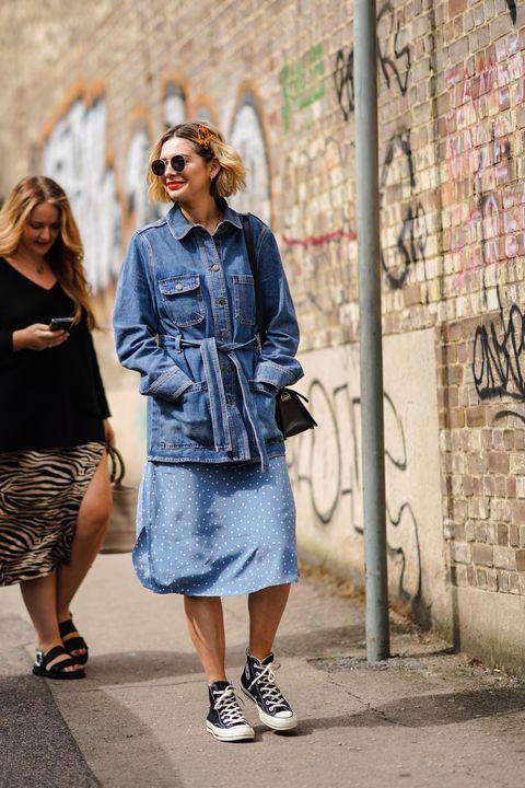 Street fashion, Clothing, Denim, Jeans, Fashion, Blue, Snapshot, Footwear, Textile, Street,