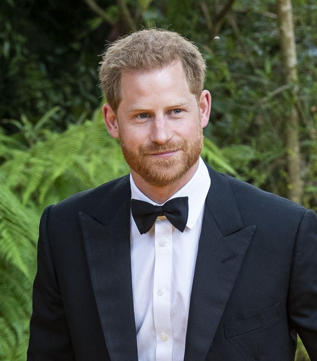 prince harry honors covid researchers british gq men of the year awards