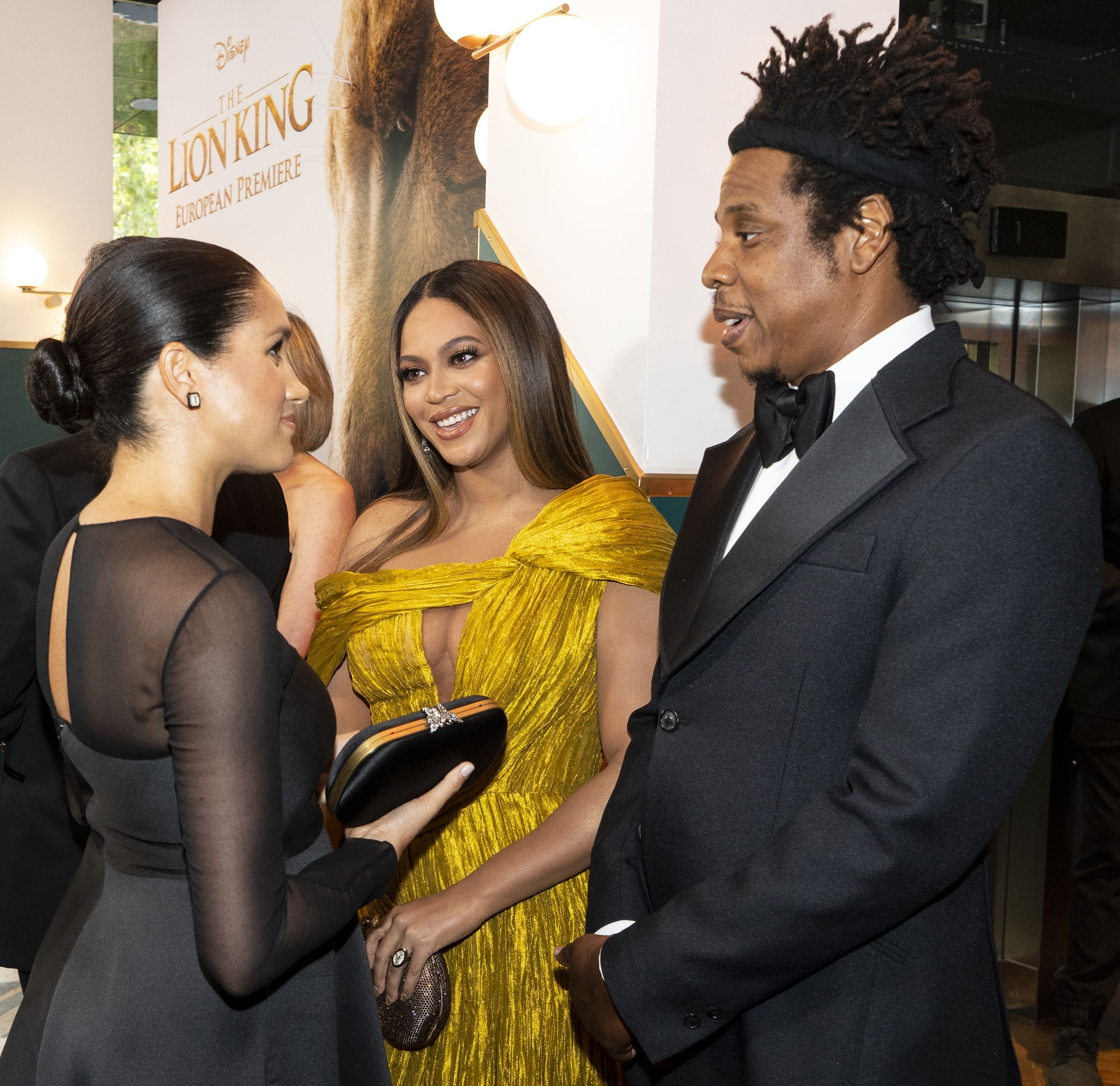 Beyoncé Pulled Off a Sneaky Dress Hack While Talking to Meghan Markle and Prince Harry