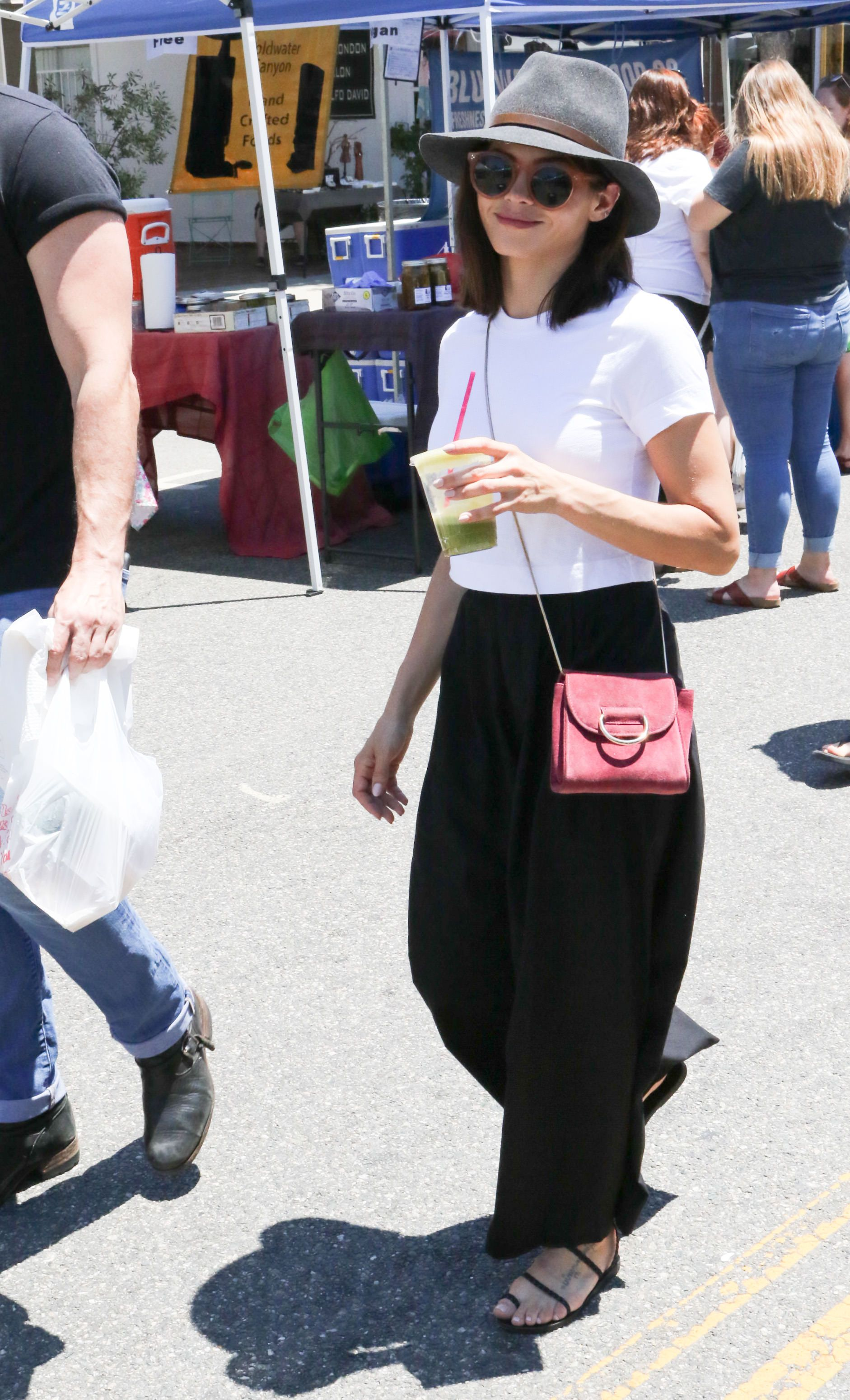 Jenna Dewan's Chic Re/Done Tee is Both Sustainable and Totally Shoppable