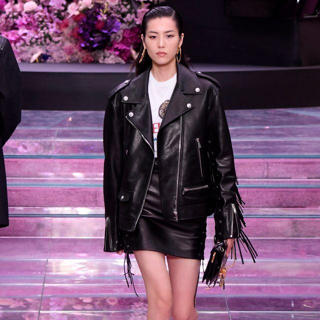 Fashion model, Fashion show, Fashion, Runway, Clothing, Leather, Leather jacket, Public event, Jacket, Event,