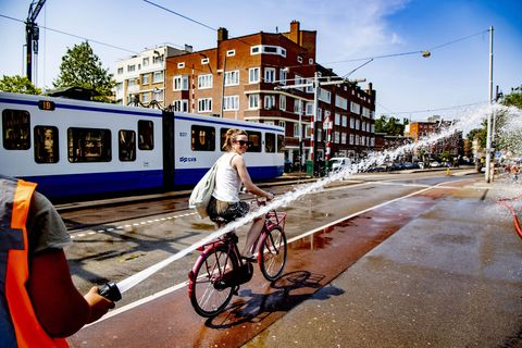 Mode of transport, Transport, Bicycle, Vehicle, Urban area, Street, Cycling, Lane, Tram, Road,