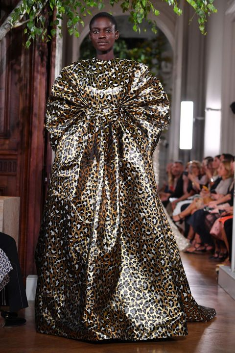 Fashion, Clothing, Haute couture, Fashion model, Dress, Gown, Runway, Fashion design, Event, Outerwear,