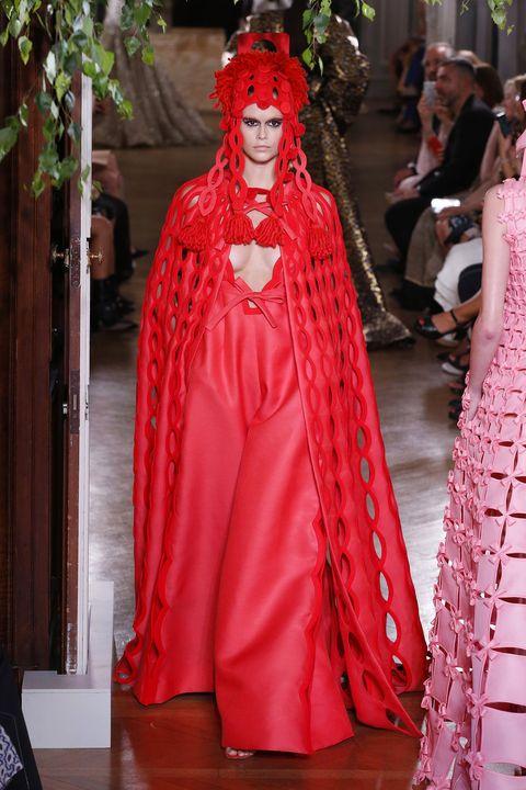 kaia gerber valentino couture