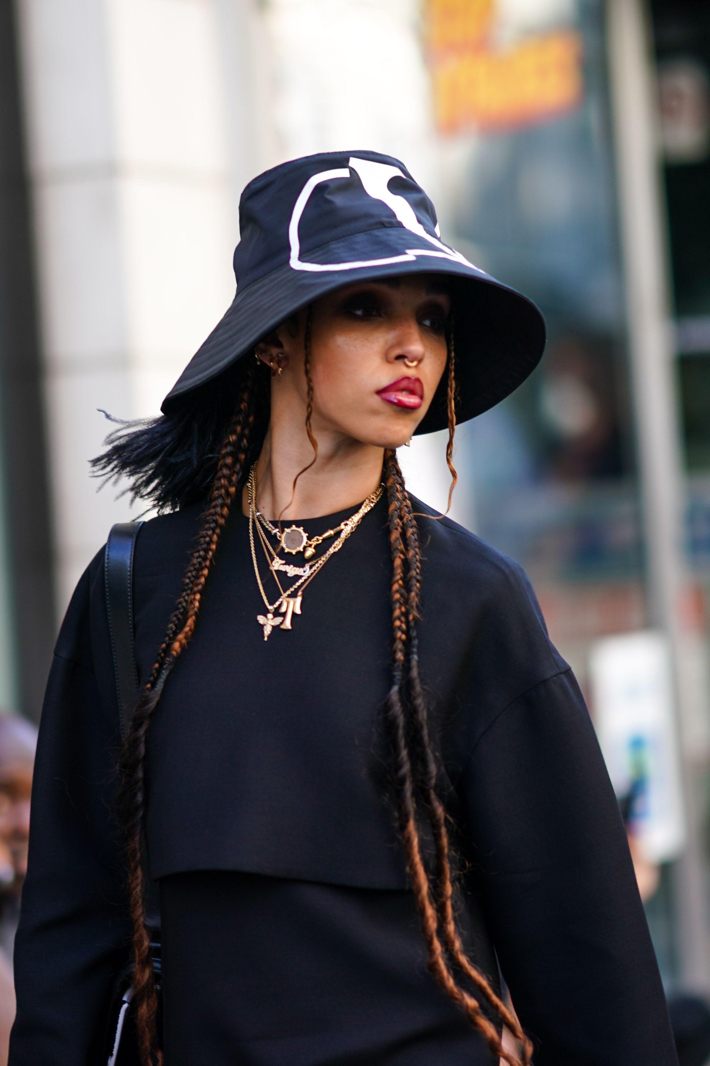 Bucket Hat Trend Runway Streetstyle How To Wear Bucket Hats