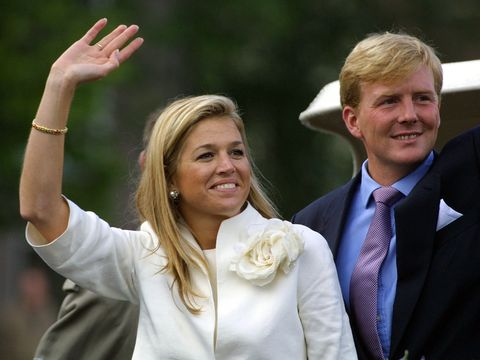 394253 06 argentine maxima zorreguieta and dutch crown prince willem alexander wave to fans september 10, 2001 during her visit with to amsterdam maxima and willem alexander will marry february 2, 2002 photo by michel porrogetty images