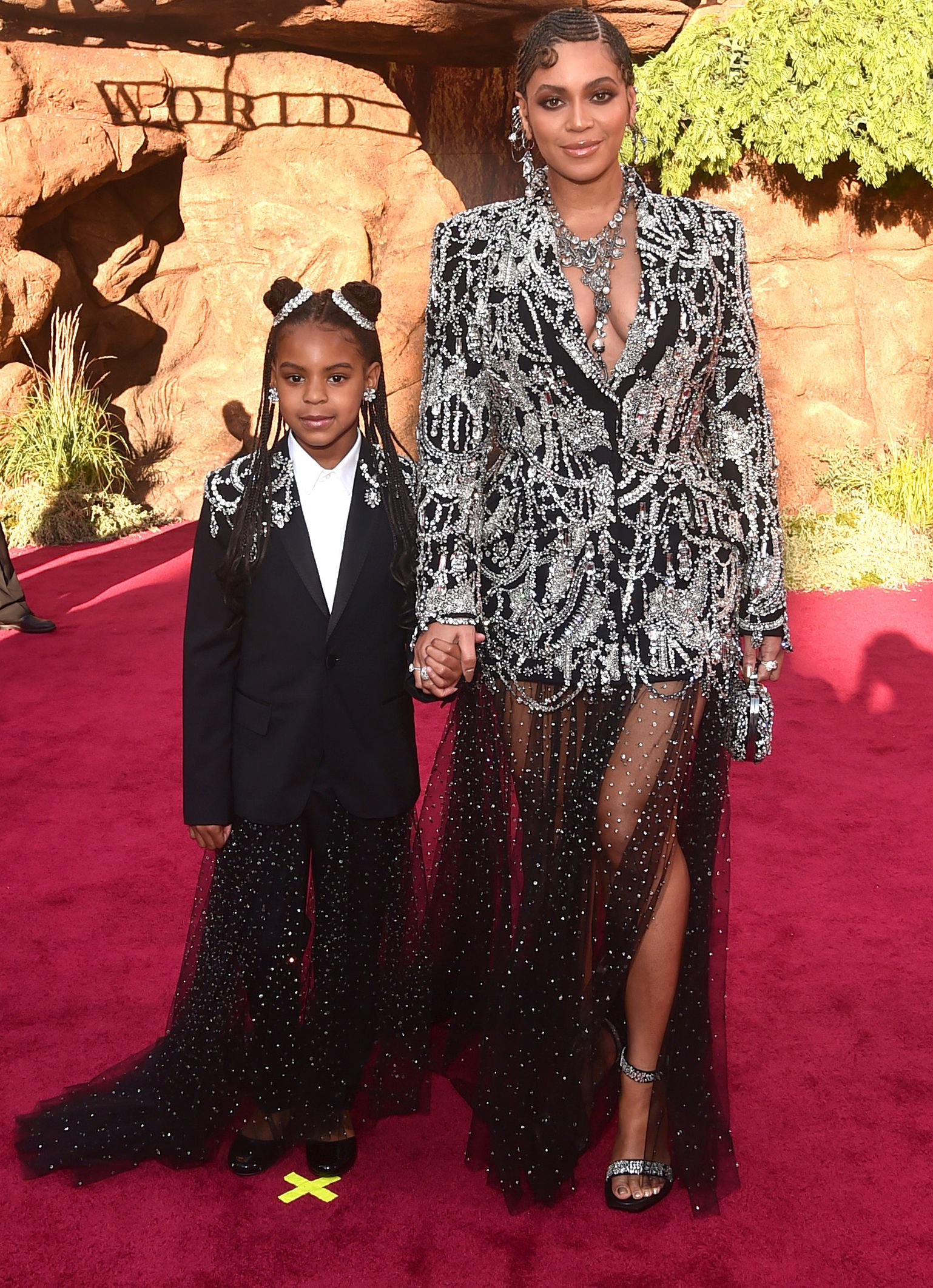 """According to Beyoncé's Mom Tina Knowles-Lawson, Blue Ivy Is Already """"Quite the Makeup Artist"""""""