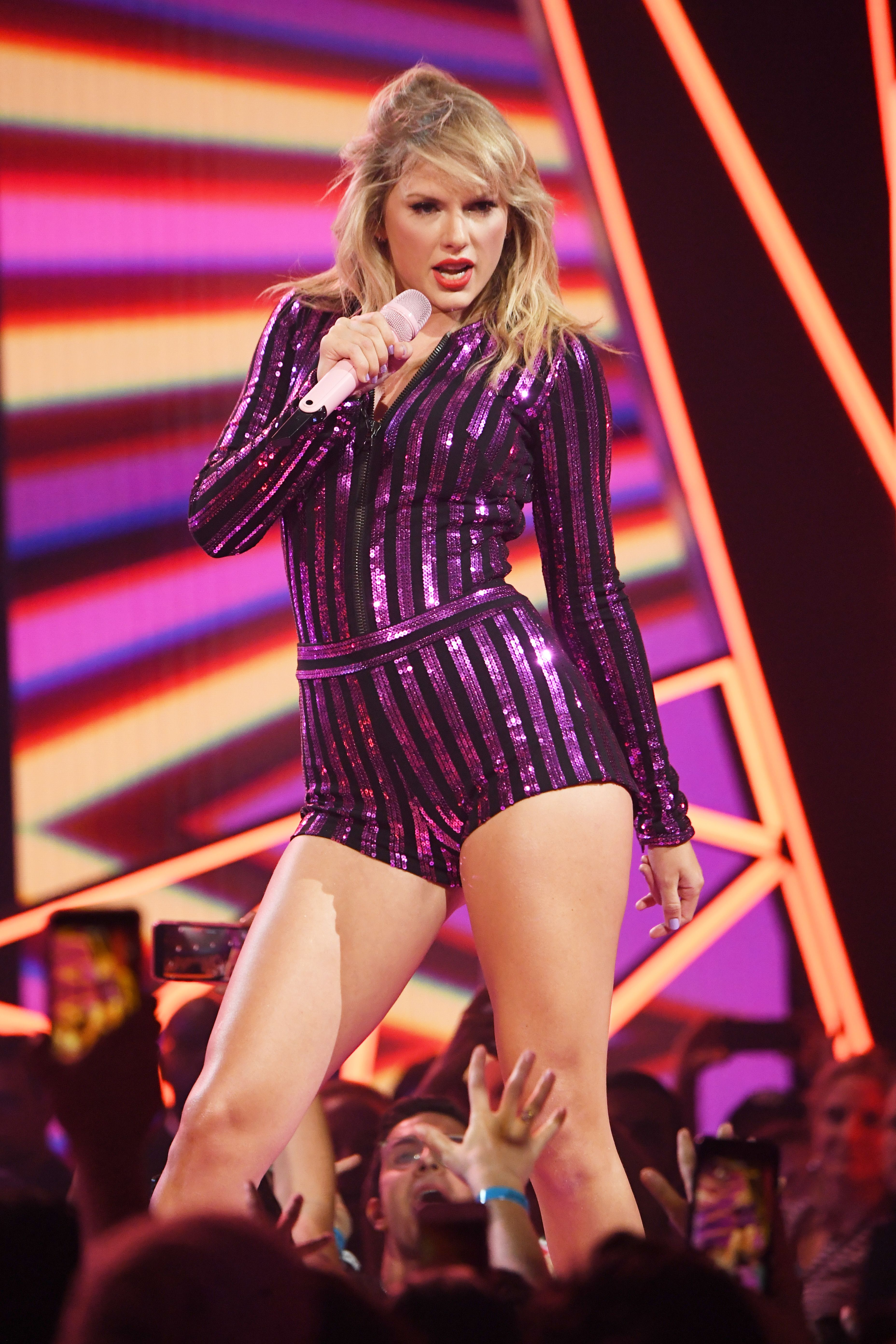 Watch Taylor Swift Shade Scooter Braun At Prime Day Concert