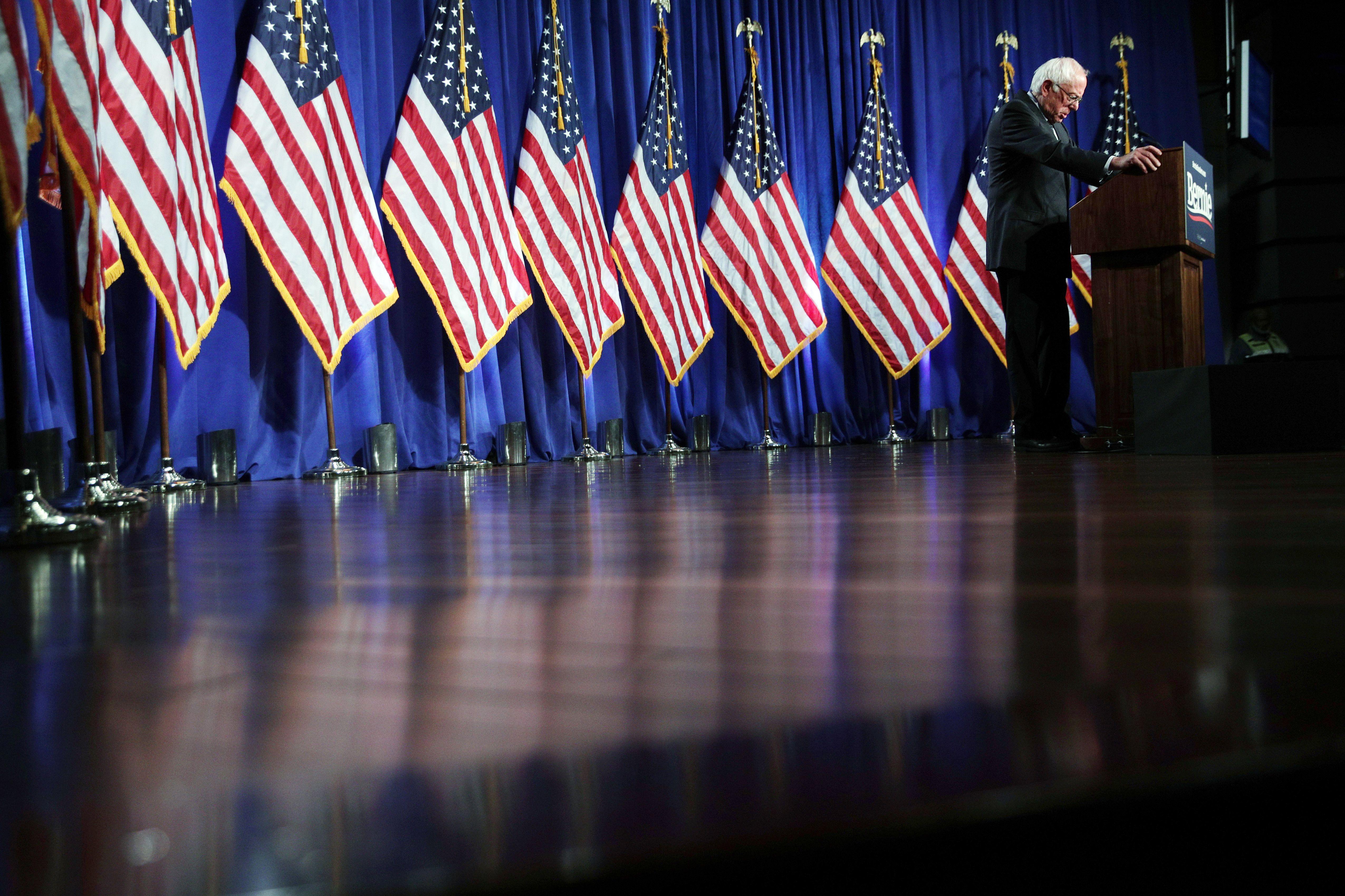 Bernie Sanders Is Really Starting To Dress Like A President
