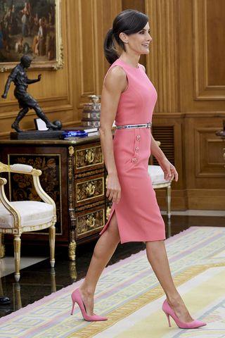 c2b8ce8f2 El LBD perfecto de la Reina Letizia - Letizia y el LBD perfecto para ...