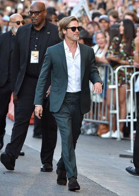 Suit, Street fashion, Fashion, Formal wear, White-collar worker, Blazer, Outerwear, Facial hair, Eyewear, Dress shirt,