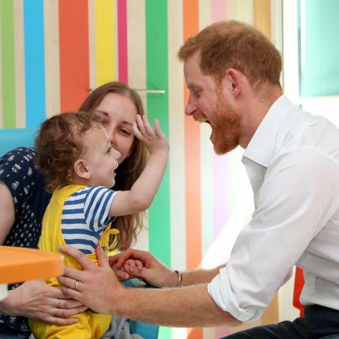 Child, Arm, Room, Event, Teacher, Table, Toddler, Leisure, Learning, Grandparent,