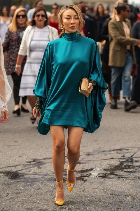 Fashion model, Fashion, Clothing, Street fashion, Fashion show, Shoulder, Turquoise, Footwear, Dress, Electric blue,