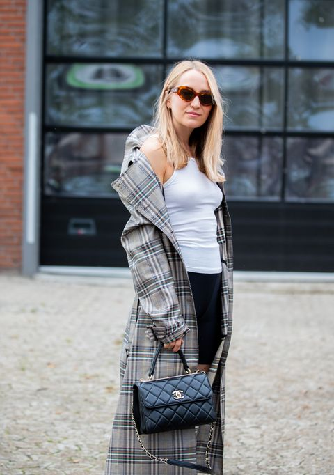 Plaid, Clothing, Tartan, Street fashion, Shoulder, Fashion, Pattern, Outerwear, Footwear, Design,