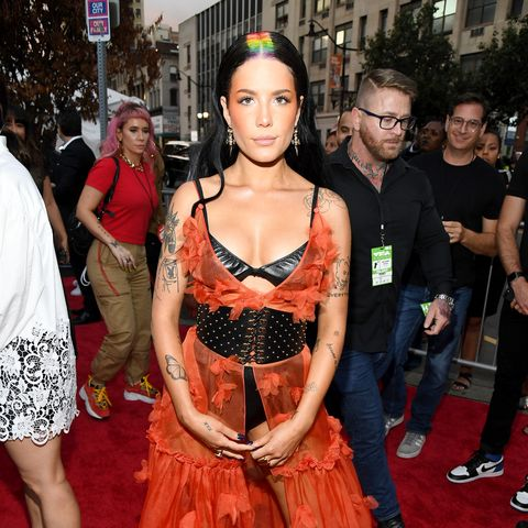 Halsey S Rainbow Roots At The 2019 Vmas Is A Lewk