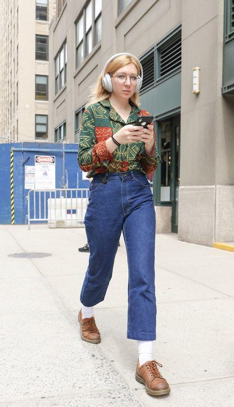 Jeans, Denim, Clothing, Street fashion, Waist, Snapshot, Fashion, Textile, Footwear, Shirt,