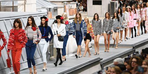 Fashion, Fashion show, Street fashion, Event, Runway, Crowd, Fashion design, Spring, Eyewear, Tourism,