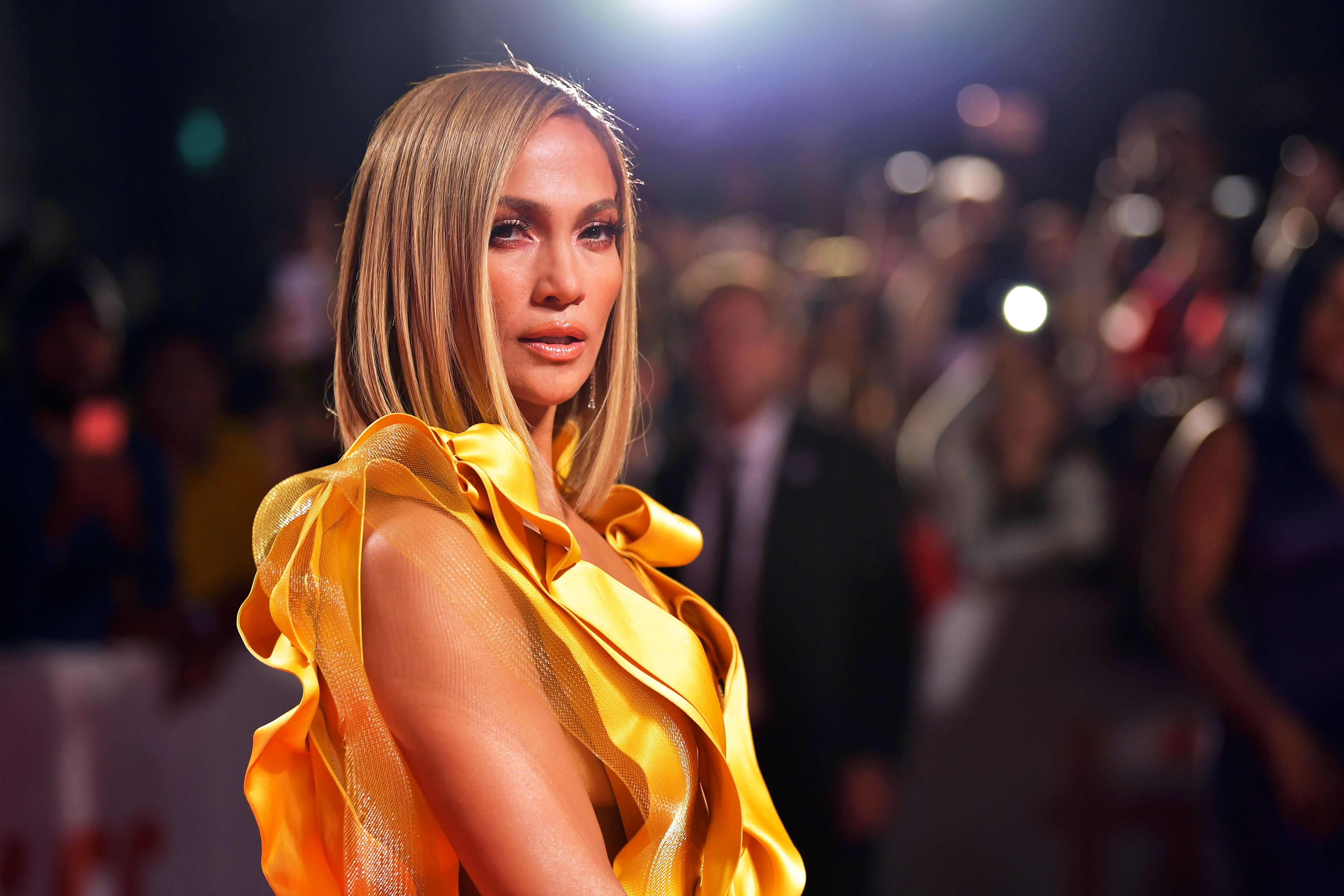 Jennifer Lopez Just Debuted a Sleek Seasonal Bob You\u0027ll Want
