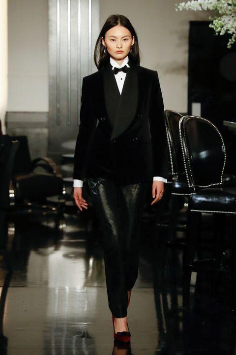 Suit, Clothing, Fashion, Formal wear, Tuxedo, Fashion model, Runway, Fashion show, Pantsuit, Blazer,