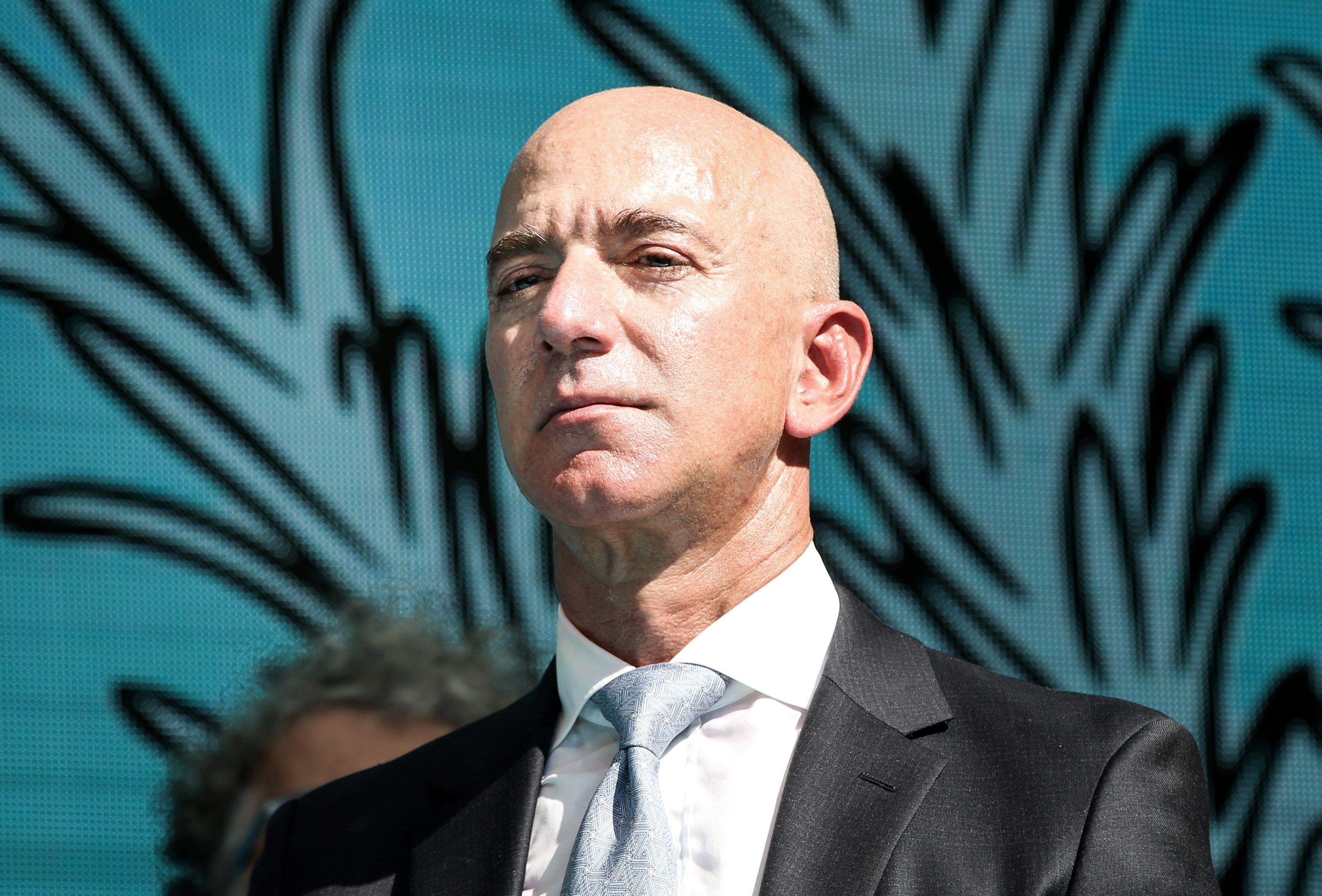 La storia breve ma intensa di come Jeff Bezos è diventato l'uomo più ricco del mondo