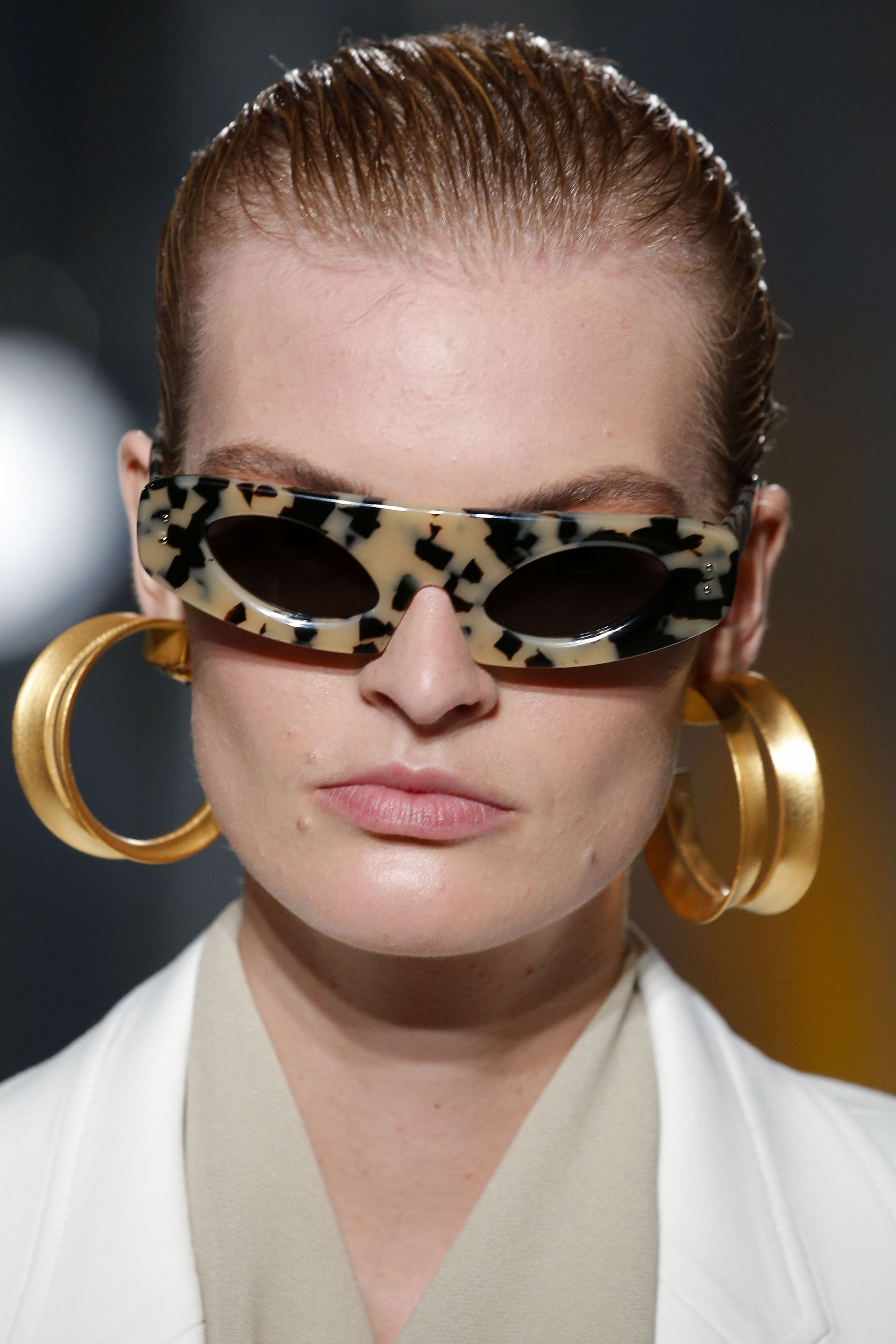 Sunglass Trends 2020.All The Hottest Sunglasses Jewelry And Accessories Trends