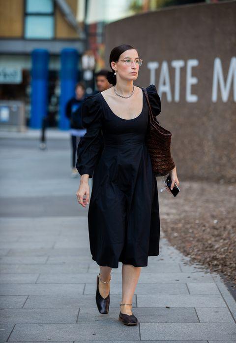 Street fashion, Clothing, Shoulder, Photograph, Black, Fashion, Dress, Snapshot, Beauty, Little black dress,